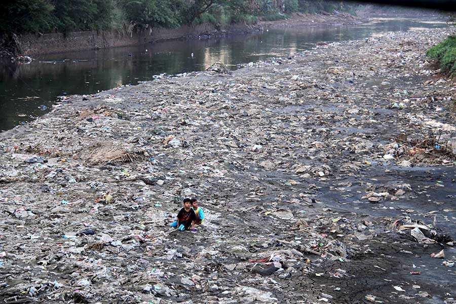 Pengertian Pencemaran Lingkungan Menurut Para Ahli