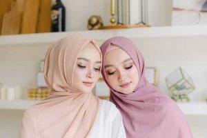 7 Tips Memakai Hijab Pashmina Yang Fleksibel