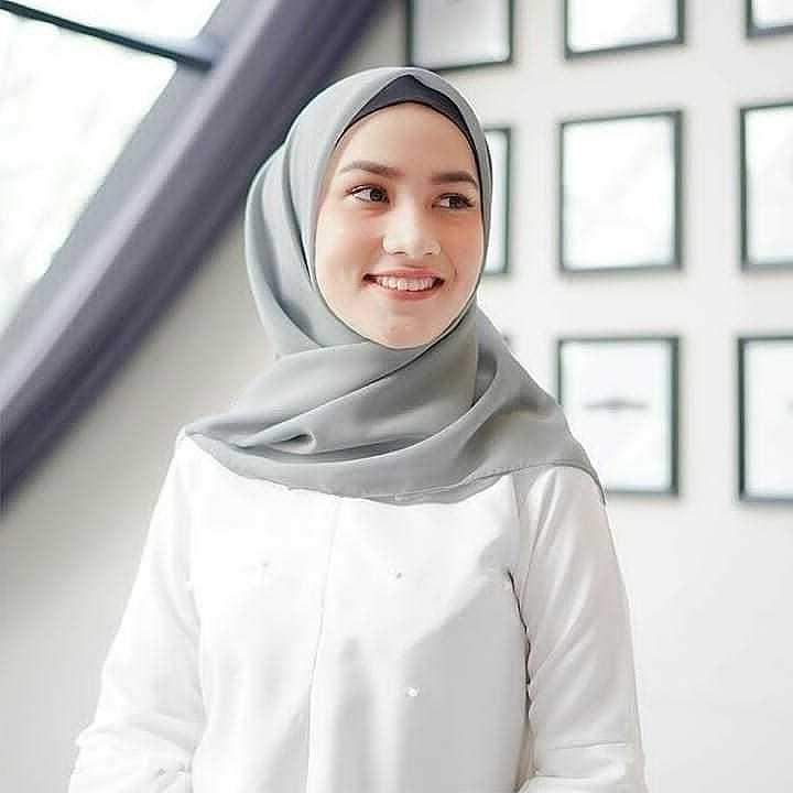 Cara Memakai Hijab Segi Empat Untuk Kuliah