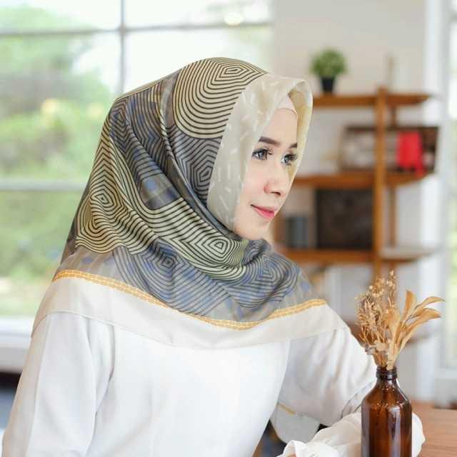 Cara Memakai Hijab Segi Empat Untuk Pesta Super Cepat