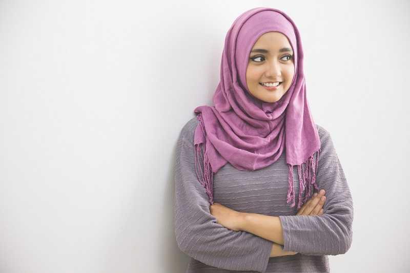 Cara Memakai Jilbab Pashmina untuk Acara Formal