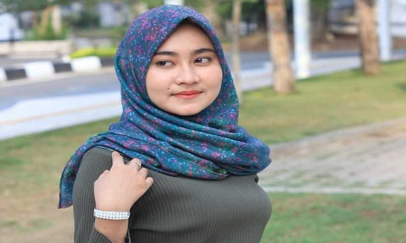 Cara Memakai Model Hijab Pashmina Estrella Style Kreasi Zoya