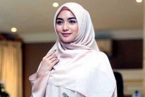 Cara Memilih Busana Muslim Bagi yang Bertubuh Pendek