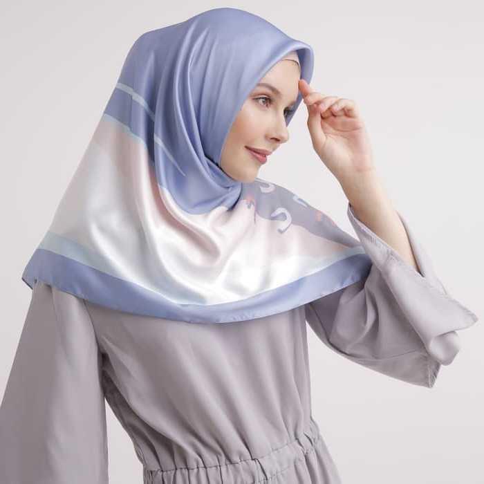 Panduan Memakai Hijab Segi Empat yang Super Cepat untuk Wanita Karir