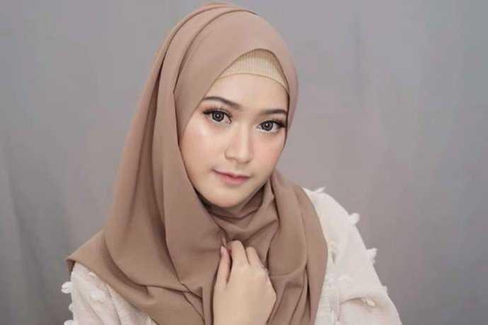 Tips Mudah Memakai Hijab Pashmina Praktis Hanya 3 Menit