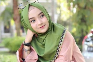 Tips dan Trik Memadukan Busana Dan Hijab Tabrak Motif