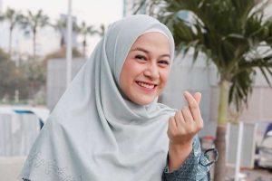 Tips dan Trik Padukan Busana Muslim Dengan Sepatu