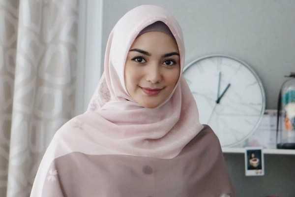 Cara Memakai Hijab Paris Untuk Wajah Tembem