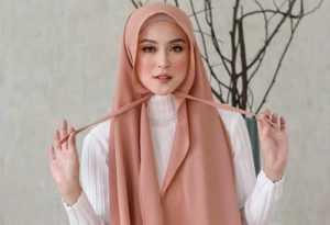 Cara Memakai Hijab Pashmina Tali