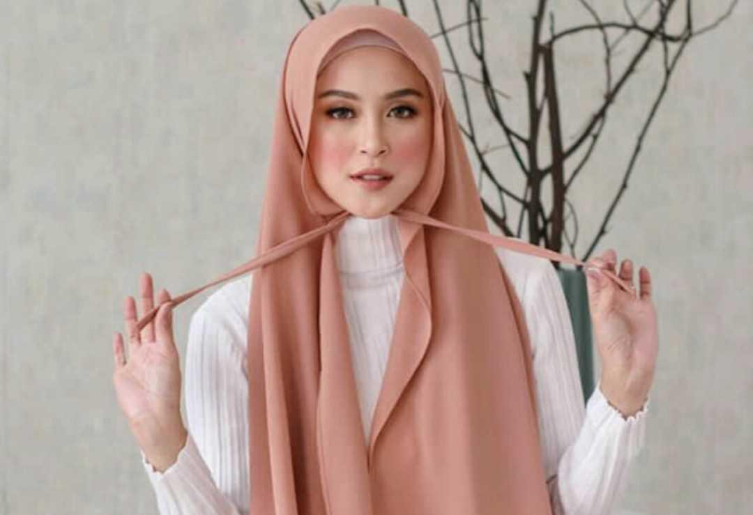 Tutorial Mudah Cara Memakai Hijab Pashmina Tali Fappin