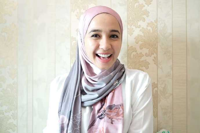 Cara Memakai Hijab Untuk Muka Lonjong