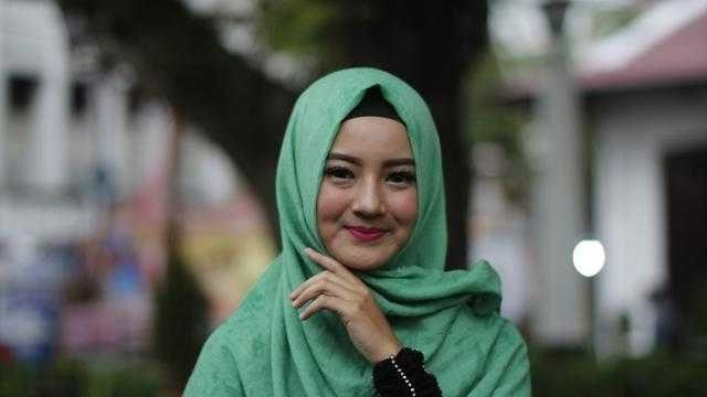 Cara Memakai Jilbab Pashmina Simple dan Mudah Untuk Remaja