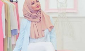 Cara Pakai Jilbab Pashmina Untuk Wajah Oval