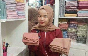 Tips Mudah Memilih Bahan Hijab Yang Nyaman