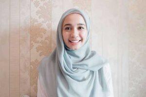Tutorial Cara Memakai Hijab Untuk Muka Lonjong