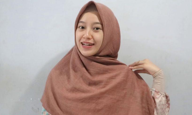 Tutorial Hijab Menutup Dada Dua Warna Untuk Kebaya