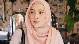 Tutorial Memakai Hijab Selendang Panjang Kreasi